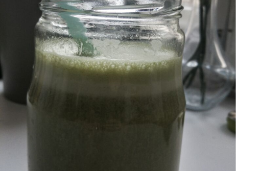 PSMF Diät - mein morgendlicher Protein Shake mit Matcha-Geschmack